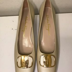 Salvatore Ferragamo Shoes - Salvatore Ferragamo low heel pumps size 8 A4